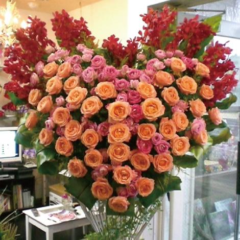 ハート型選べるバラスタンド花イメージ