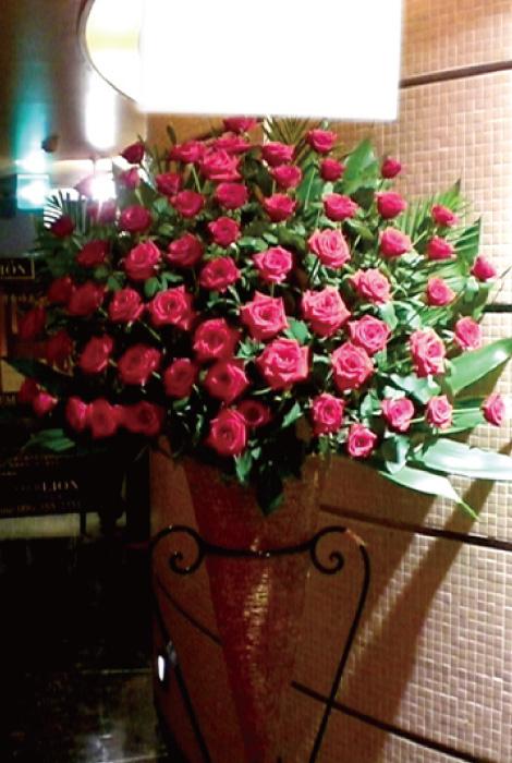 【S-11】選べるバラスタンド花